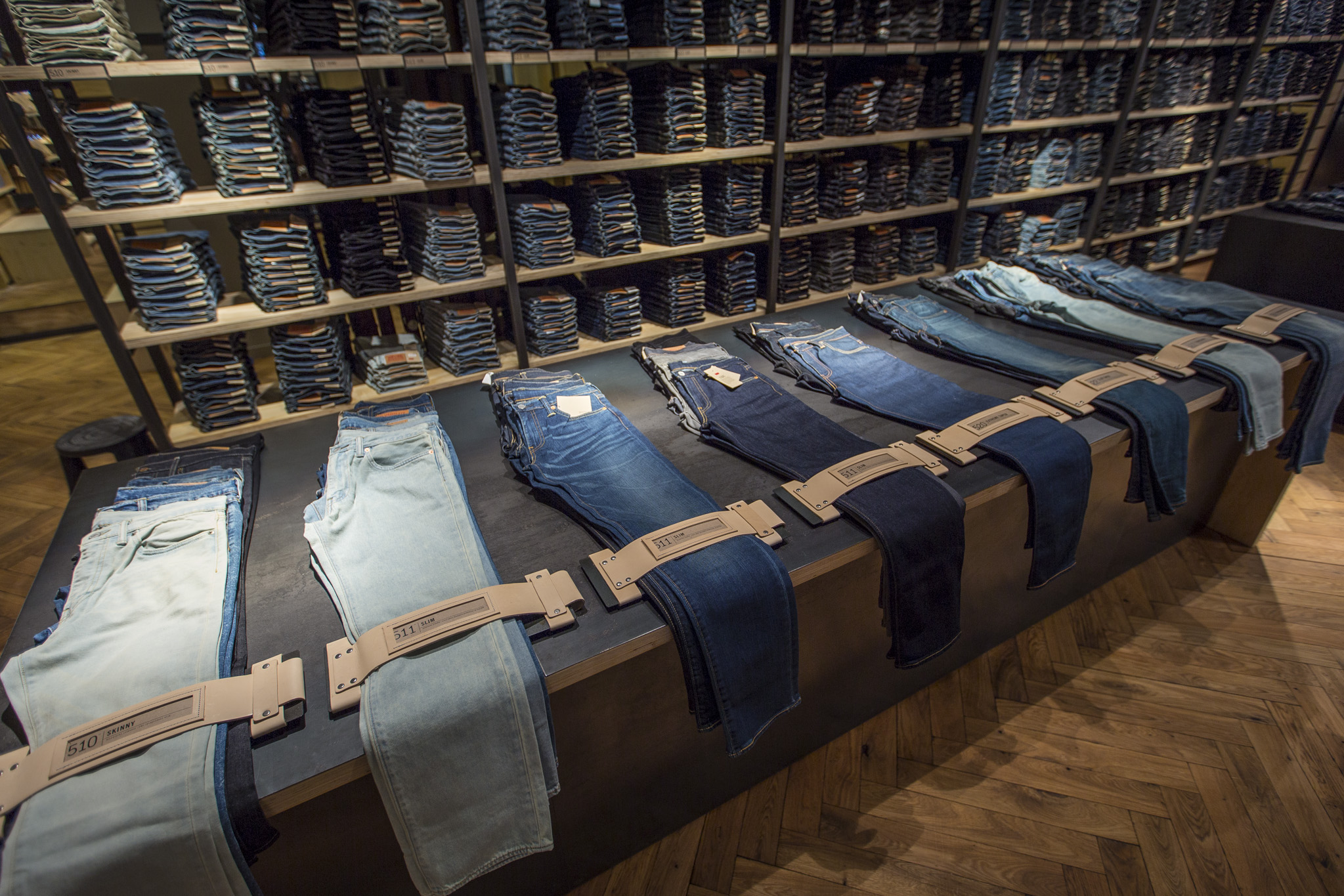 Step Renovated Store Berlin Levi's The Inside TrwqxT1