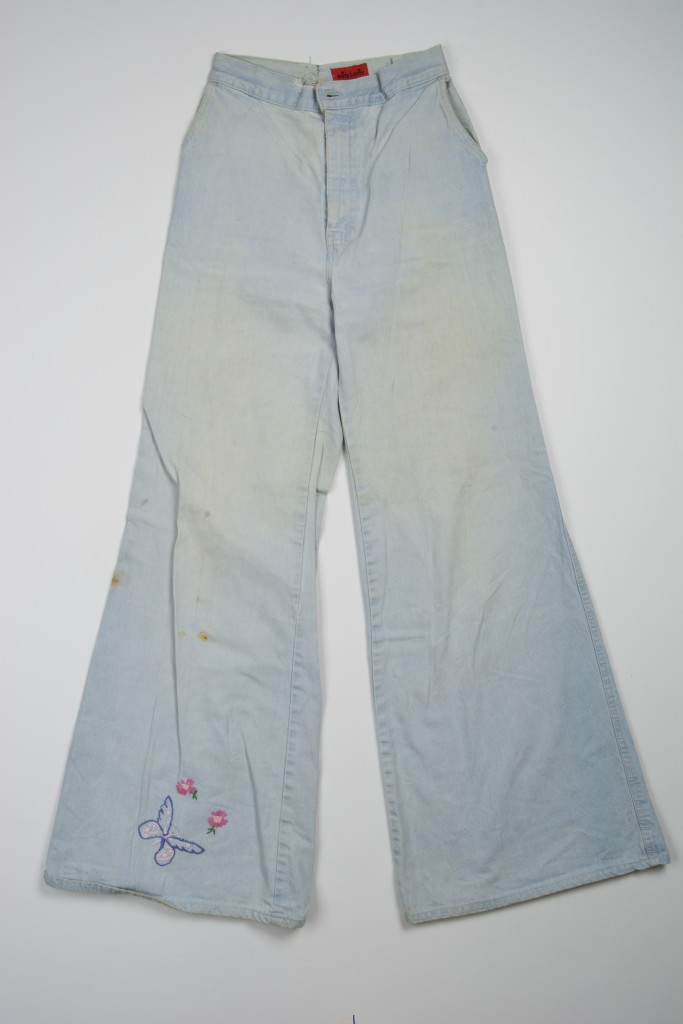 "Jeans Miss Levi's 28"" bell bottoms hand embroidered butterfly and 2 flowers on leg 1970s"