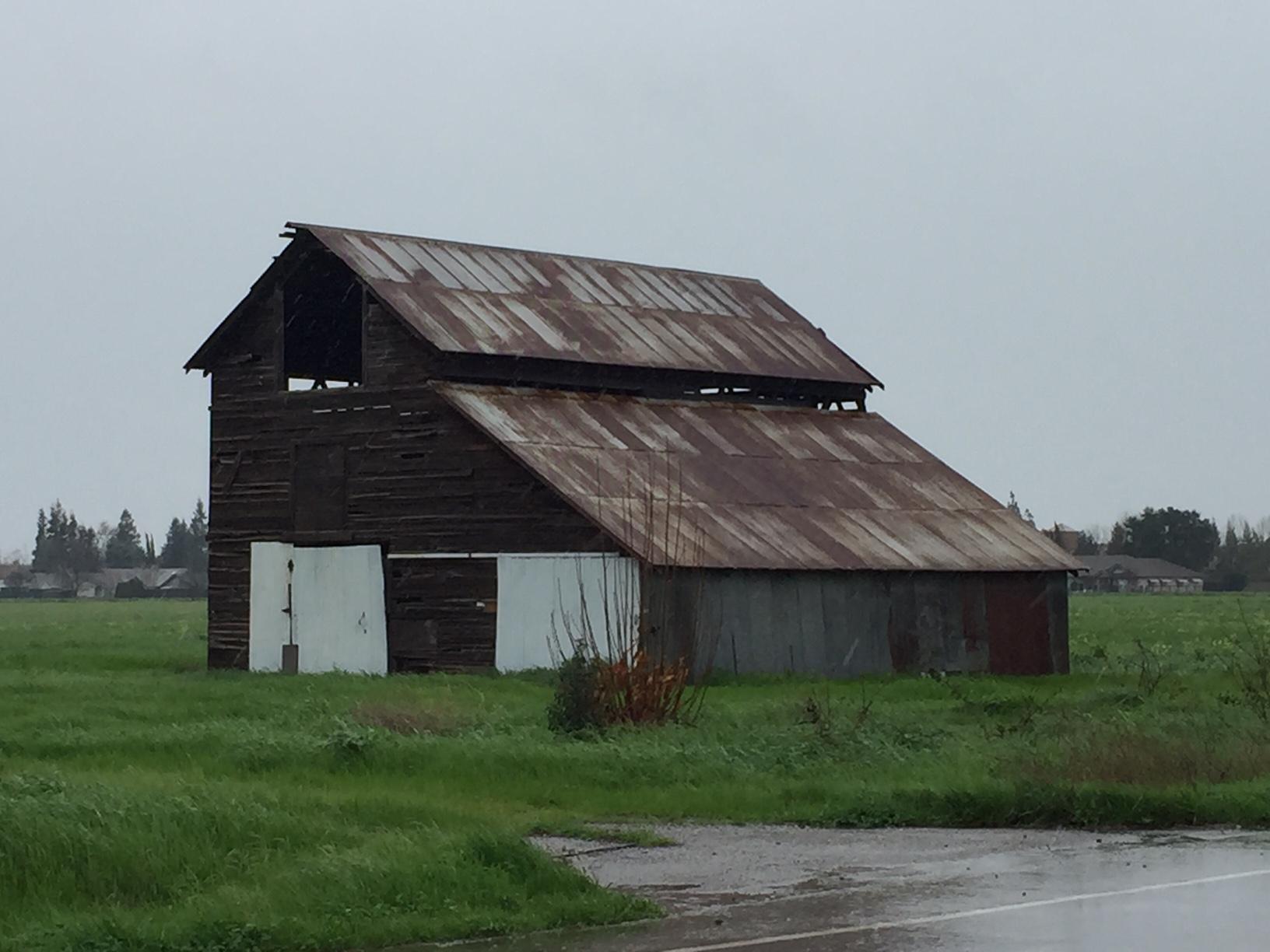 Lockeford_Barn