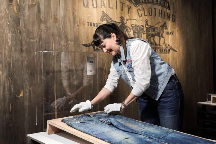 68976296fdce08 I shared these Chinese connections with a group who attended my Vintage  Levi's® Workshop. I walked the workshop guests through garments ranging  from one of ...